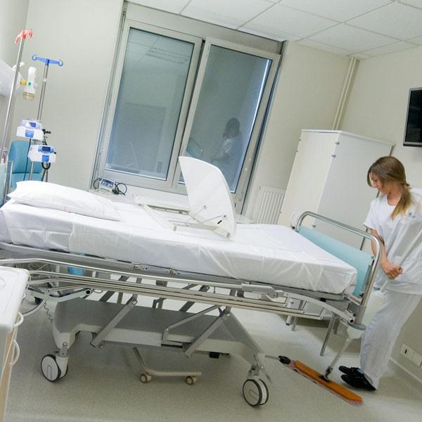Hôpital Calmette CHU chambre patient